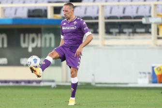 FLORENCE, ITALY - SEPTEMBER 12: Franck Ribery of ACF Fiorentina in action at Artemio Franchi on September 12, 2020 in Florence, Italy.  (Photo by Gabriele Maltinti/Getty Images)