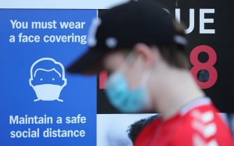 LONDON, ENGLAND - SEPTEMBER 19: Fans arrive wearing face masks outside the stadium ahead of the Sky Bet League One match between Charlton Athletic and Doncaster Rovers at The Valley on September 19, 2020 in London, England. Charlton Athletic Football Club are allowing limited number of spectators (1000) to be in attendance as Covid-19 pandemic restrictions are eased. (Photo by James Chance/Getty Images)