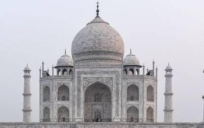 India, il Taj Mahal evacuato per sospetta bomba ma è falso allarme