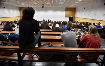 Students attend a general assembly in Nanterre University, west of Paris, on May 15, 2018, a week after having voted an unlimited blockage of their establishment during the partial period, to protest against higher education reforms, introduced by the French government that give public universities the power to set admission criteria and rank applicants. (Photo by GERARD JULIEN / AFP)        (Photo credit should read GERARD JULIEN/AFP via Getty Images)