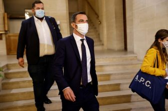 French Health Minister Olivier Veran (C), wearing a mask, arrives at the Senate in Paris on September 24, 2020 to be heard before the Senate inquiry commission on the Covid-19 outbreak. (Photo by Thomas SAMSON / AFP) (Photo by THOMAS SAMSON/AFP via Getty Images)