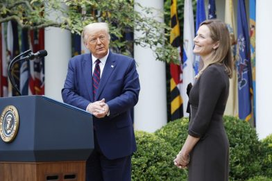 Usa, Trump nomina la giudice Amy Coney Barrett per la Corte Suprema