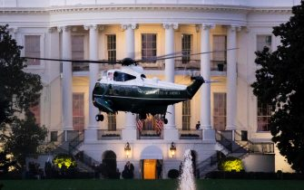 epa08723070 Marine One arrives at the South Lawn of the White House, carrying US President Donald J. Trump as he returns from Walter Reed hospital, in Washington, DC, USA, 05 October 2020. Trump was discharged from Walter Reed National Medical Center where he had receiving treatment after announcing he had tested positive for COVID-19 on 02 October.  EPA/MICHAEL REYNOLDS