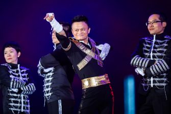 Jack Ma, founder and chairman of China's e-commerce giant Alibaba dresses as Michael Jackson and dances in the Alibaba¡¯sannual party celebrating the 18th anniversary of the Alibaba Group in Hangzhou, capital of east China's Zhejiang Province, Sept. 8, 2017. About 40,000 Alibaba employees from 21countries and regions attended the party.  (Photo by Top Photo) (Top Photo / IPA/Fotogramma, Hangzhou - 2017-09-15) p.s. la foto e' utilizzabile nel rispetto del contesto in cui e' stata scattata, e senza intento diffamatorio del decoro delle persone rappresentate