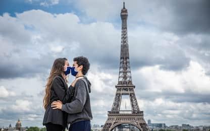 Coronavirus, la Francia verso misure più dure