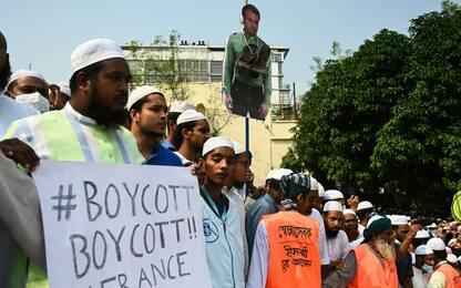 Bangladesh, manifestanti in piazza contro la Francia. FOTO