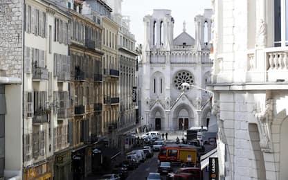 Attentato a Nizza, continuano le indagini: fermato quarto uomo