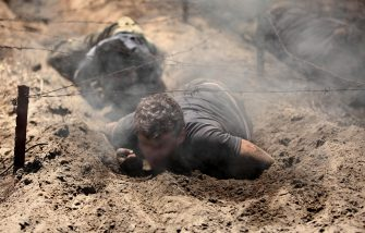 Palestinian youths take part in a military-style exercise during a summer camp organized by Islamic Jihad movement, in Gaza city, on August 13, 2015. Photo by Ashraf Amra/APAIMAGES_142809/Credit:Ashraf Amra  apaimages/SIPA/1508131436