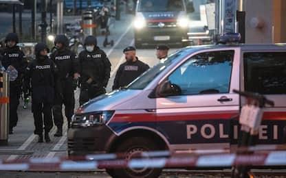 Attentato a Vienna, cosa sappiamo finora