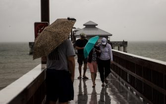 People walk on the  Fort Myers Beach pier as  Tropical Storm Eta swirls offshore on Monday November 9, 2020. Weather from the storm is expected to impact Southwest Florida over the next couple of days.  Pier (Photo by Andrew West/USA Today Network/Sipa USA) (Naples - 2020-11-09, USA TODAY Network / IPA) p.s. la foto e' utilizzabile nel rispetto del contesto in cui e' stata scattata, e senza intento diffamatorio del decoro delle persone rappresentate