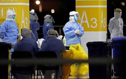 Covid Cina, allarme focolaio a Shanghai: test di massa all'aeroporto