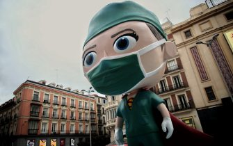 September 24, 2020, Madrid, Madrid, Spain: Sculpture of a 'Supersanitaria' in the Plaza de Callao in homage to the health workers and their work during the pandemic, in Madrid (Spain) on 24th September 2020. The six-metre high sculpture will preside over this square for ten days with the aim of reminding people of the importance of continuing to comply with the measures taken in front of the Covid-19. This 'Supersanitaria' will rotate through different cities in Spain to ''pay a nice tribute to all the heroes who have fought in this health crisis...24 SEPTEMBER 2020..Eduardo Parra / Europa Press..09/24/2020 (Credit Image: © Eduardo Parra/Contacto via ZUMA Press) (None - 2020-09-24, Eduardo Parra / IPA) p.s. la foto e' utilizzabile nel rispetto del contesto in cui e' stata scattata, e senza intento diffamatorio del decoro delle persone rappresentate