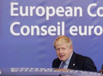 "Brexit, intesa difficile. Johnson: ""No deal epilogo più probabile"""