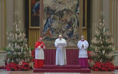 """Urbi et Orbi, Papa: """"Vaccino luce di speranza se è per tutti"""""""
