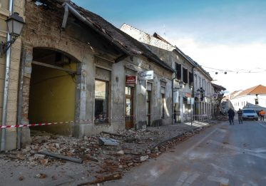 Terremoto Croazia, nuova forte scossa. Ingv: magnitudo 5.2
