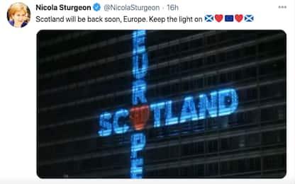 """Scozia, primo ministro Sturgeon su Twitter: """"Europa, torneremo presto"""""""