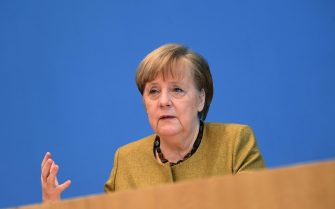epa08955179 German Chancellor Angela Merkel speaks during a press conference at the Federal Press Conference (Bundespressekonferenz) in Berlin, Germany, 21 January 2021. Merkel commented on the current coronavirus disease (COVID-19) pandemic situation in the country as well as the relations with the United States following the inauguration of the new president, among other topics.  EPA/FILIP SINGER / POOL