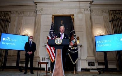 """Covid, Biden: """"Entro fine estate vaccini per 300 milioni di americani"""""""