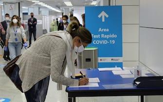 Covid: a Fiumicino e Ciampino test per arrivi da Francia.