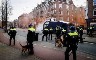 manifestazioni restrizioni covid amsterdam