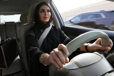 Arabia Saudita, liberata attivista diritti donne Loujain Al-Hathloul