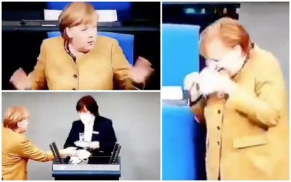 Angela Merkel dimentica la mascherina dopo discorso su lockdown. VIDEO