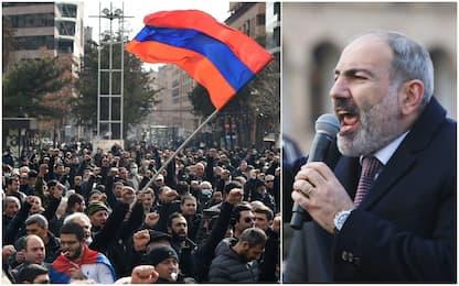 Armenia, esercito contro governo. Il premier: non sarà colpo di stato
