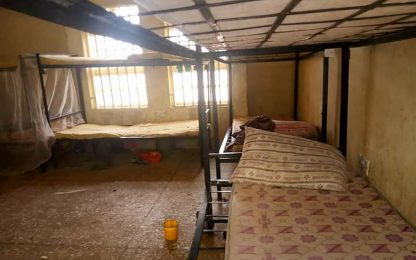 Nigeria, attacco a una scuola: rapite oltre 300 studentesse