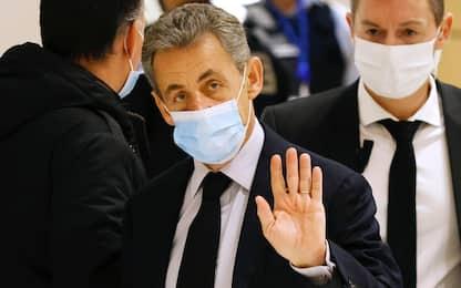 Francia, l'ex presidente Sarkozy condannato a 3 anni per corruzione