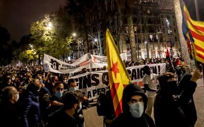 Proteste Barcellona, carcere preventivo per i sei italiani arrestati