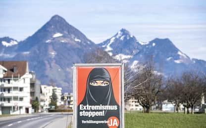 """Svizzera, approvato referendum sulla legge """"anti-burqa"""": sì al divieto"""