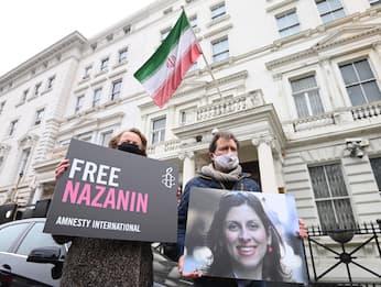 L'incubo senza fine di Nazanin, vittima di un braccio di ferro Uk-Iran