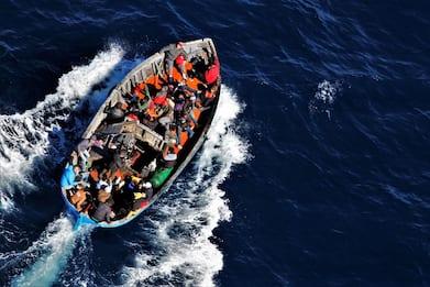 Migranti, Oim: naufragio al largo della Tunisia, almeno 50 dispersi