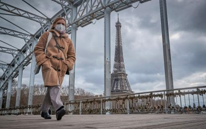 Covid Francia, coprifuoco slitta alle 21 dal 19 maggio