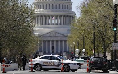 Capitol Hill, auto su poliziotti e spari. Morti agente e aggressore