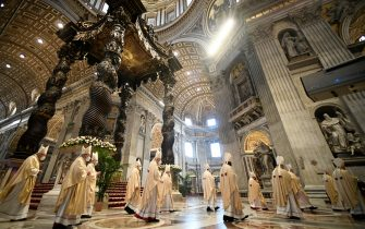 Cardinals and Bishops arrive to attend the Pope's Easter Mass on April 04, 2021 at St. Peter's Basilica in The Vatican during the Covid-19 coronavirus pandemic. (Photo by Filippo MONTEFORTE / POOL / AFP) (Photo by FILIPPO MONTEFORTE/POOL/AFP via Getty Images)