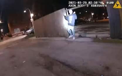 Usa, pubblicato video di agente che spara a 13enne Adam Toledo
