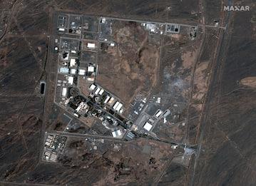 Iran, individuato responsabile attacco sito nucleare Natanz: è fuggito