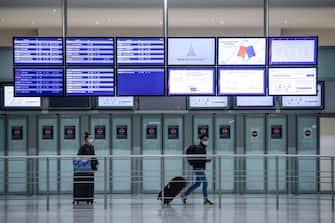 Un aeroporto francese vuoto a causa della pandemia da coronavirus