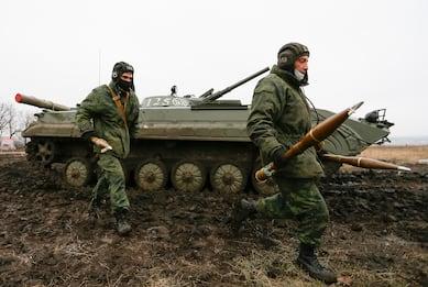 Crisi Russia-Ucraina, allarme Ue: 150mila soldati russi al confine