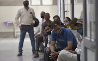 Covid, in India record di contagi e ospedali al collasso. FOTO