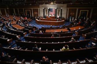 epa09166295 US President Joe Biden addresses a joint session of Congress at the US Capitol in Washington, DC, USA, 28 April 2021.  EPA/JIM WATSON / POOL