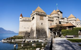 epa09110790 A view of Chateau de Chillon on Lake Geneva on occasion of the reopening of the castle to the public in Veytaux, Switzerland, 01 April 2021, amid the coronavirus pandemic. For almost four centuries Chillon Castle, which is situated on a small island in the lake, was the residence and toll station of the Counts of Savoy.  EPA/JEAN-CHRISTOPHE BOTT