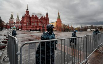 epa09149806 Russian policemen block Moscow Kremlin and Red Square in preparation for a possible opposition rally and prevention of riots in Moscow, Russia, 21 April 2021. Unauthorized rallies in support of Alexei Navalny are expected to be held throughout Russia. Russian opposition leader Alexei Navalny has been transferred from the penal colony No. 2 (IK-2) in Pokrov, Vladimir region, to the regional prison hospital in IK-3 in Vladimir for receiving vitamin therapy. The decision was taken amid Navalny's hunger strike and announced by his team members fearing for his life.  EPA/YURI KOCHETKOV