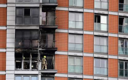Londra, spento l'incendio divampato in un palazzo nel quartiere Poplar