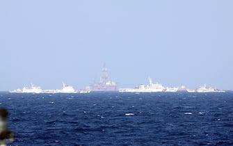 La piattaforma per la ricerca petrolifera inviata da Pechino in una zona contesa nel Mare cinese meridionale. 16 giugno 2014. ANSA/ TTX