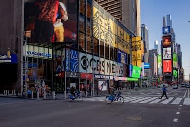 New York, spari a Times Square: ferite una donna e una bambina