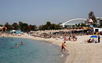 Bagnanti in una spiaggia in Grecia