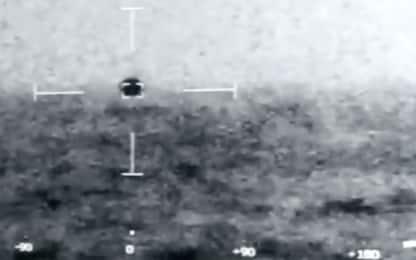 Ufo, Pentagono: video con oggetto volante che si immerge è autentico