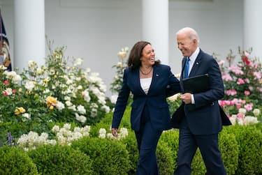 Joe Biden Kamala Harris NO MASK - Ph